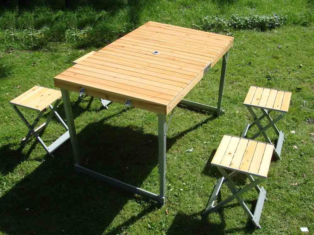 Campingtisch Holz.Holz Klapptisch Campingtisch Mit 4 Faltstuhl Klappstuhl On