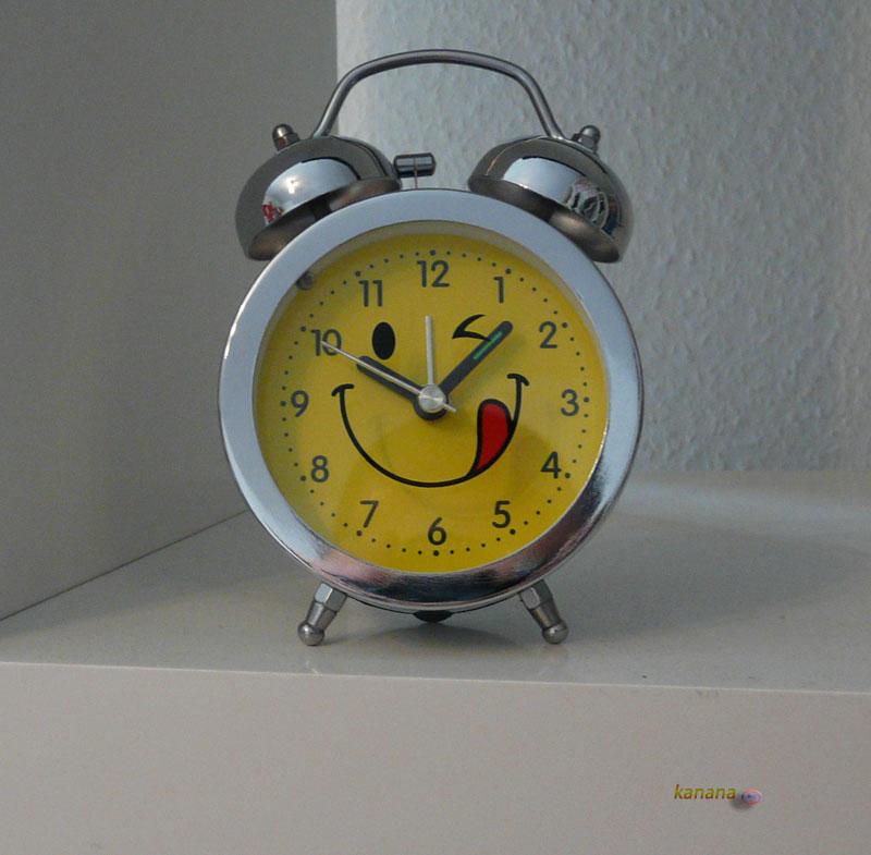 retro glockenwecker elektronisches quarzlaufwerk wecker retro gelb ebay. Black Bedroom Furniture Sets. Home Design Ideas